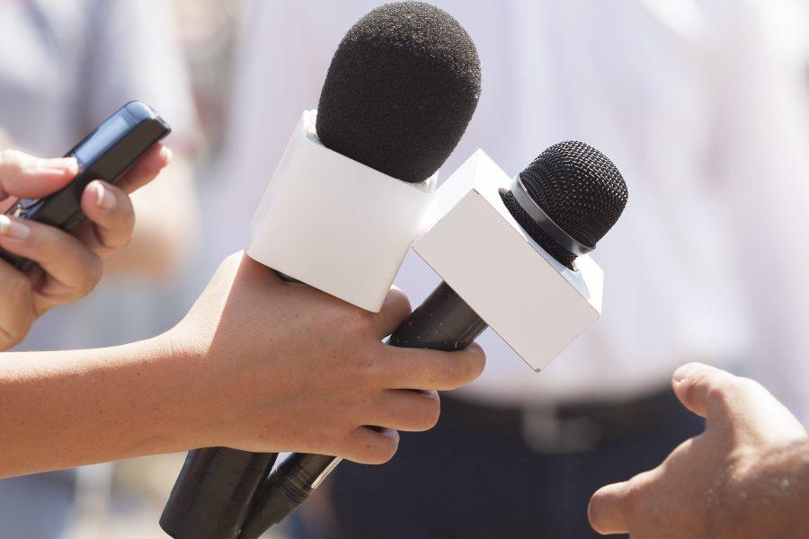 Červnový maraton tiskových konferencí