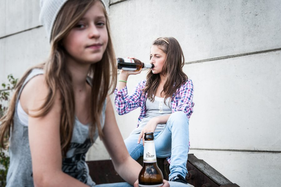 České děti jsou v závislostech na špici. Praktici pomohou se včasným záchytem