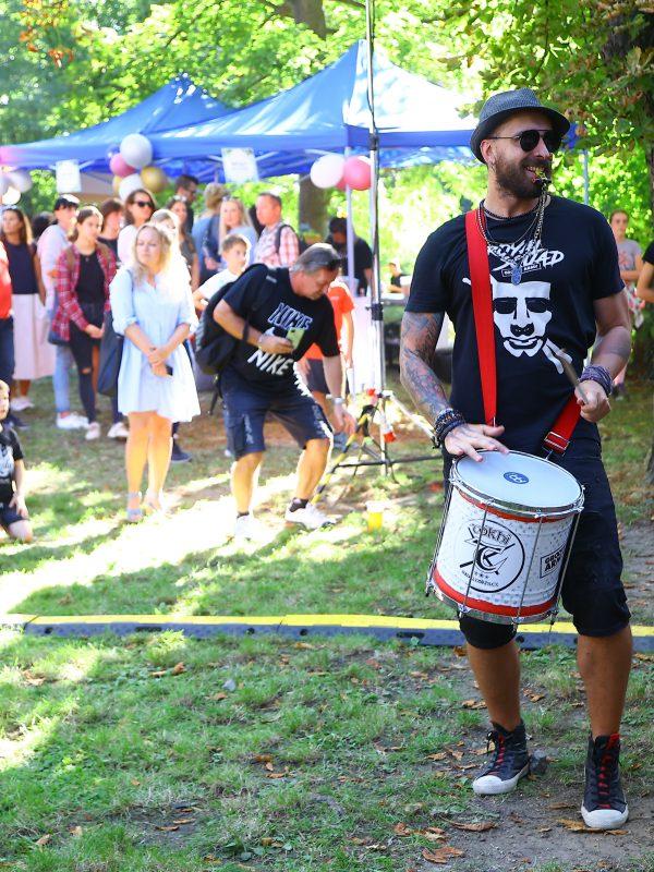 Garden party přilákala stovky lidí
